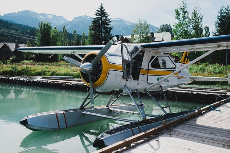 Harbour air seaplane at green lake